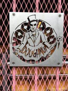 Logo Voodoo Doughnuts Portland