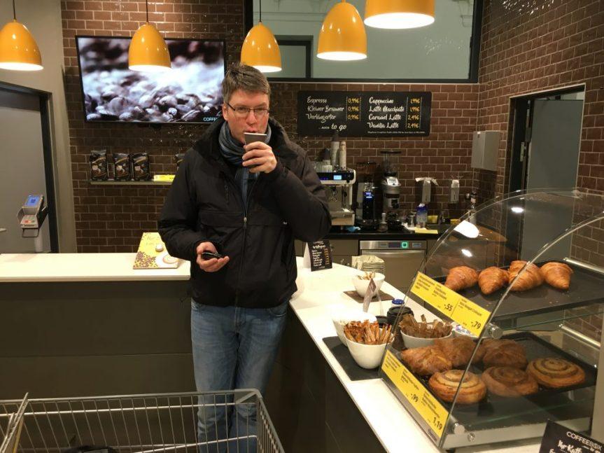 Hofer Kaffeebar Naschkater Oliver Numrich breit