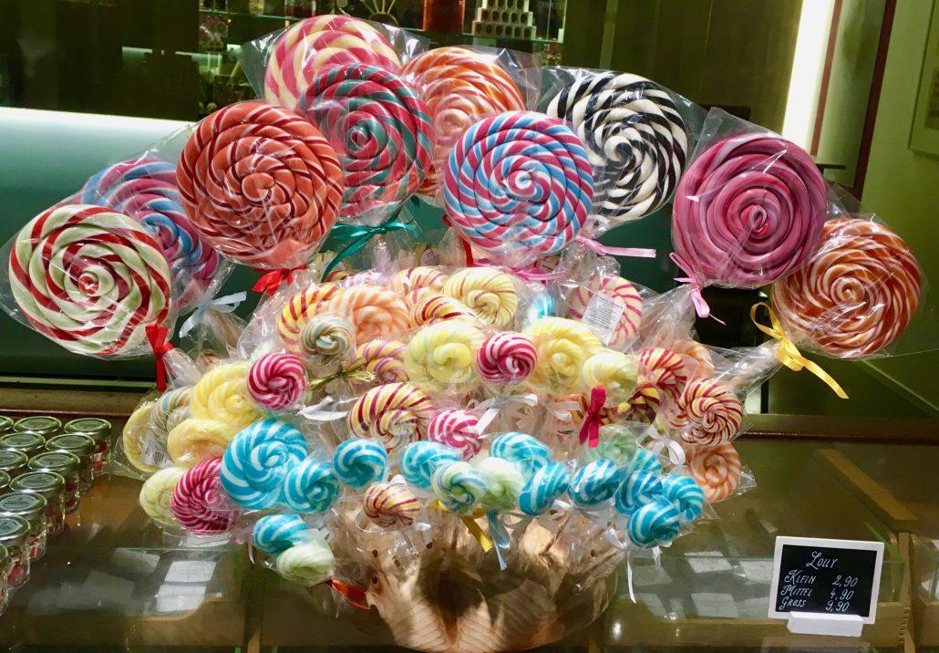 Dauerlutscher und Lollipops: Diese Bonbons haben Stil