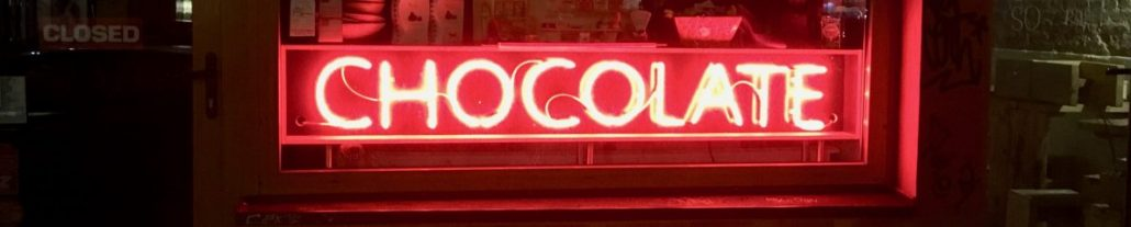 cropped-chocolate-sign-red-night.jpg