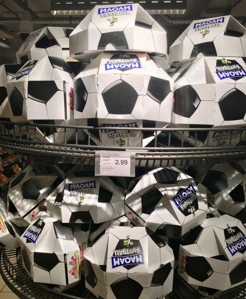 Haribo Maoam Display Football