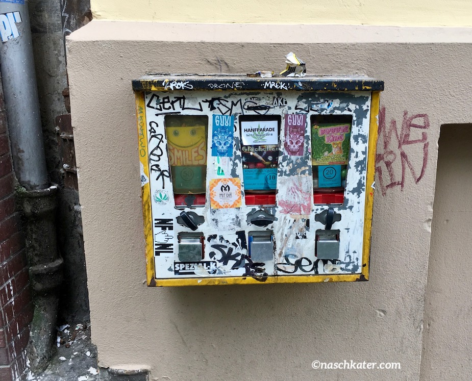 Kaugummiautomat Gelb Gneisenaustraße Berlin