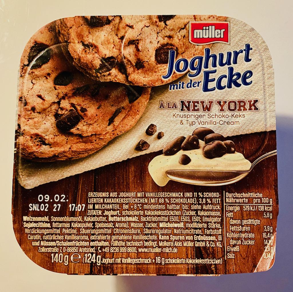 Müller Joghurt mit der Ecke á la New York mit Schoko-Keks 140G