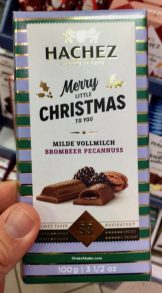 Haches Merry Chrstiams Milde Vollmilch Brombeer Pecannuss