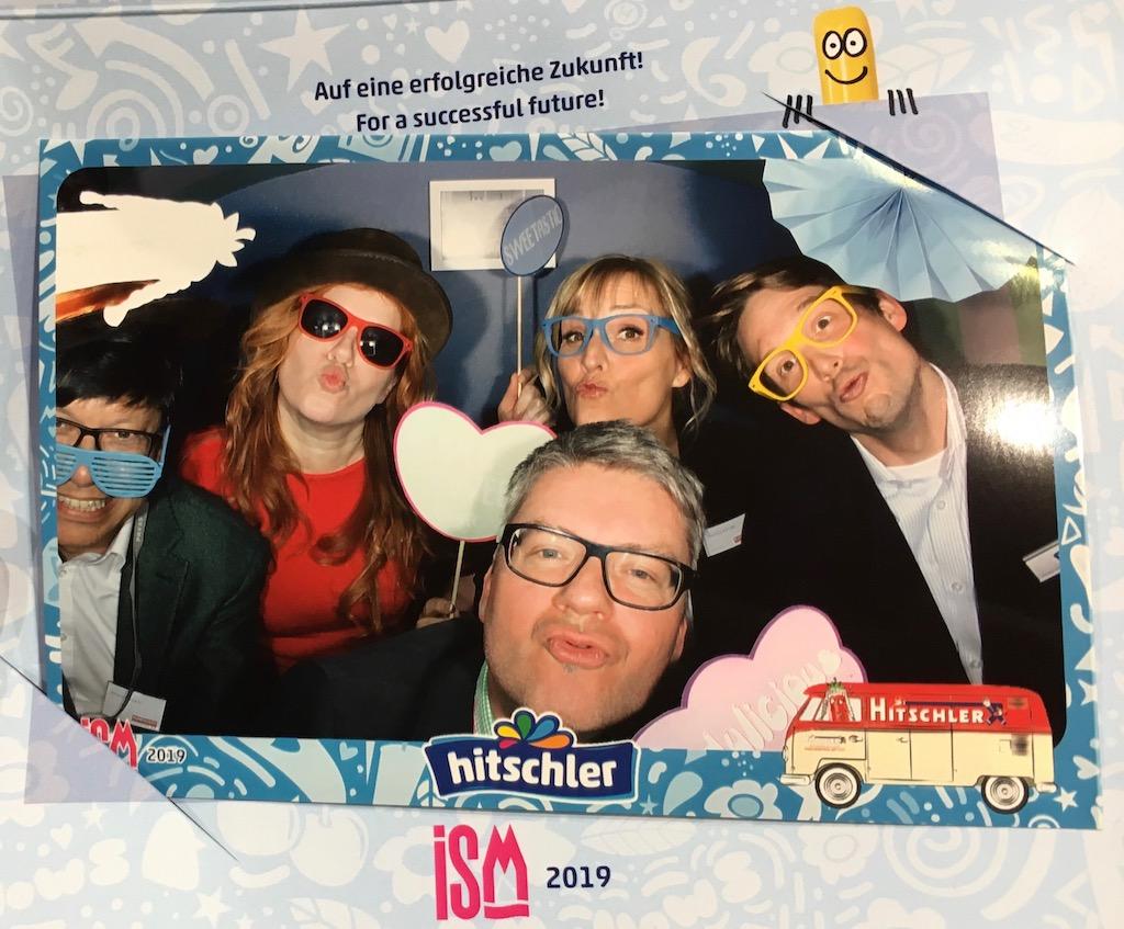 Die Rundschau-Redaktion am Hitschler-Stand ISM 2019 klein