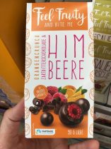 Feel Fruity and bite me Himbeere Orangencrunch Zartbitter 90 Gramm Liebe