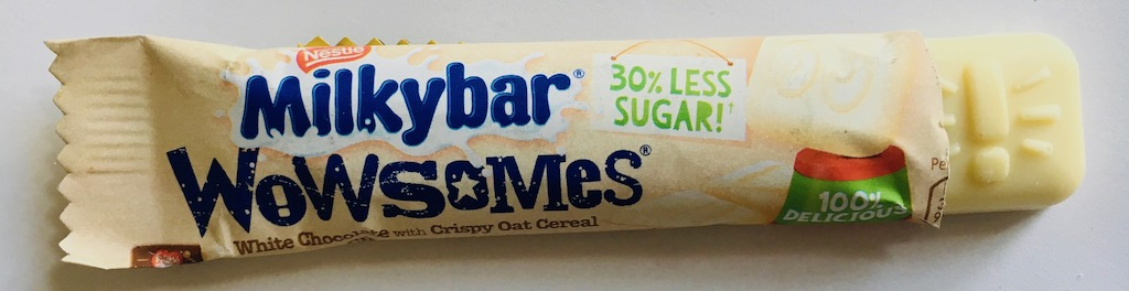 Nestlé Milkybar Wowsomes White Chocolate with Crispy Oat 30% less sugar