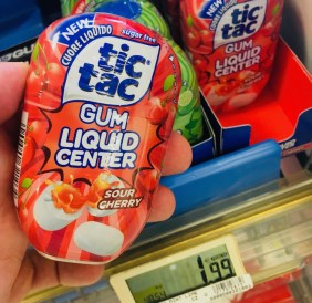 Ferrero tictac Gum Liquid Center Sour Cherry
