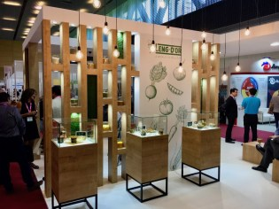 Snackex Barcelona Leng-D'or World of Pellets Stand