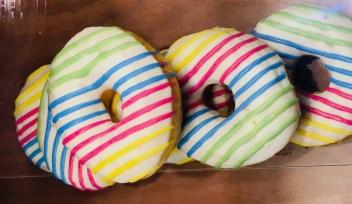 Mc Donalds Mc Café Rainbow Donuts Regenbogen