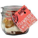 """Backmischung von """"The Treat Kitchen"""" Erdbeer- und Weiße Schokolade Belgische Brownies."""