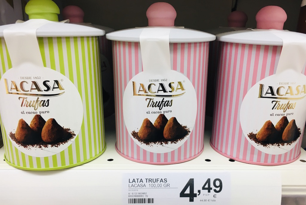 Lacasa Trufas al cacao puro in schönengestreiften Dosen