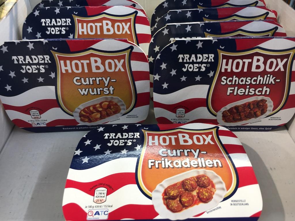 Aldi Trader Joe's HotBox mit Currywurst Schaschlik-Fleisch und Curry-Frikadellen