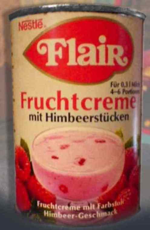 Nestlé Falir Fruchtcreme mit Himbeerstückemn in der Blechdose