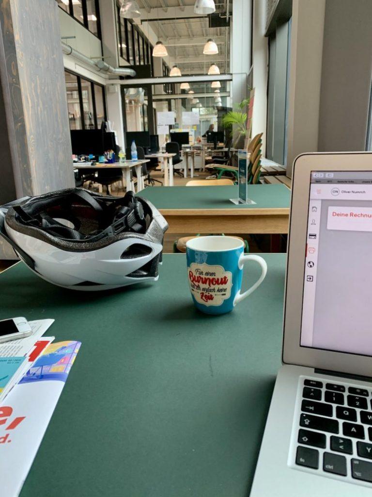 EDEKA Coworking Blick über die Tische