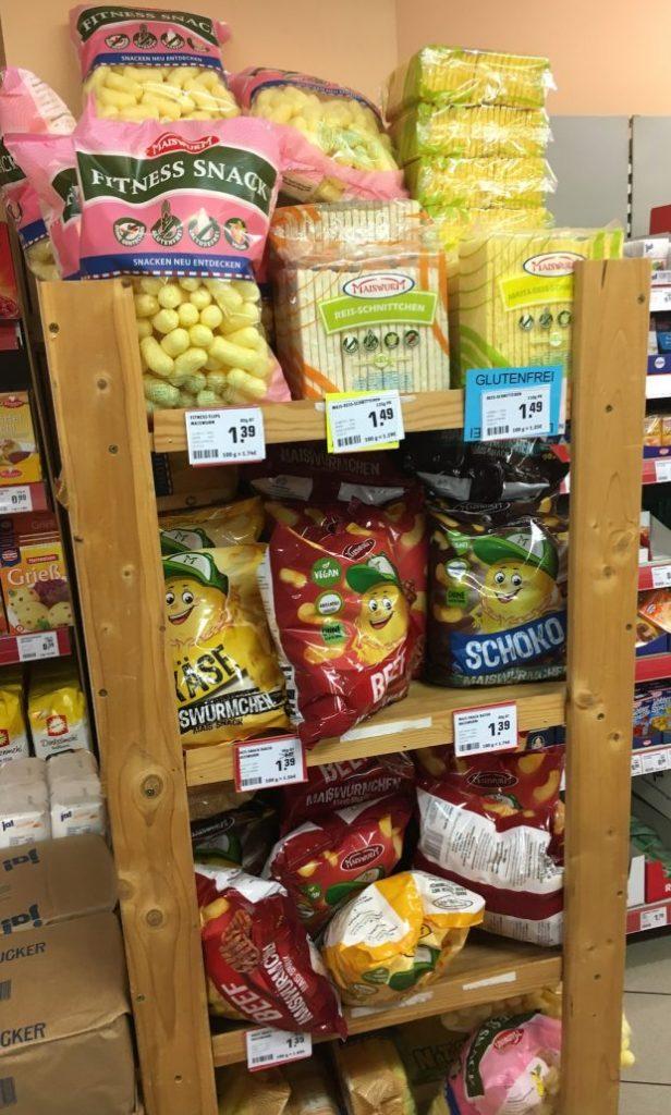 Maiswürmchen Käse-Beef-Schoko-Fitness Snack Display