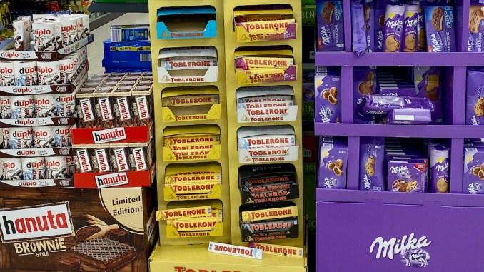 Displays von Ferrero (Hanuta Brownie), Toberlone, Milka.
