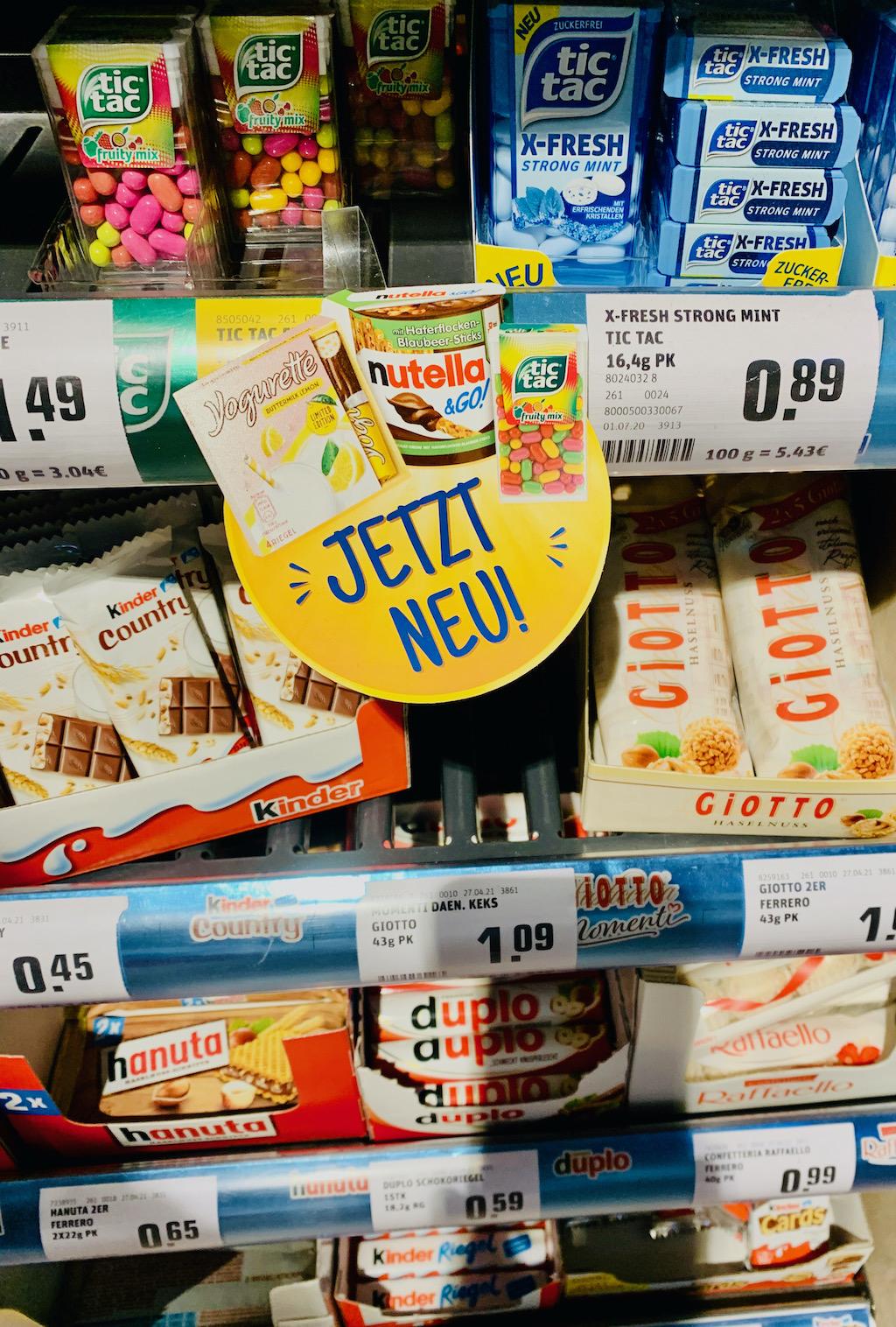 Ferrero Werbung an der Kasse für Yogurette-Mini-Nutella&G und Tictac