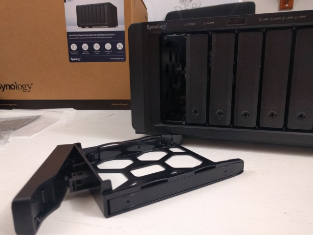 Unboxing the Synology DS3018xs 6-Bay Diskstation NAS Diskstation 6