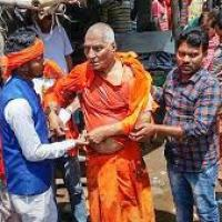 Agnivesh attacked on way to BJP office to pay his last respects to Vajpayee