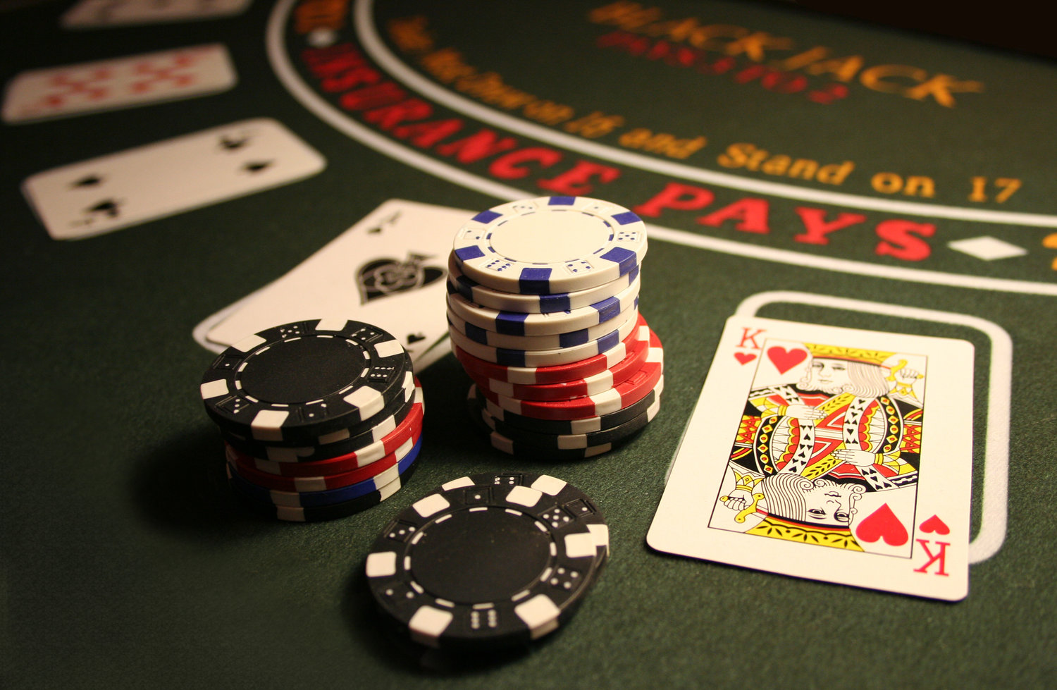 How to Host the Best Casino Night in Nashville from Entertain! featured on Nashville Bride Guide