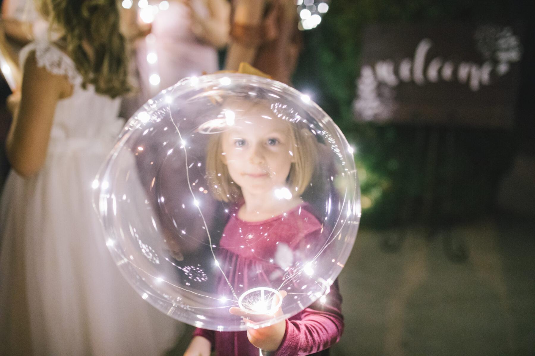 Glowing wedding balloon   Nashville Bride Guide