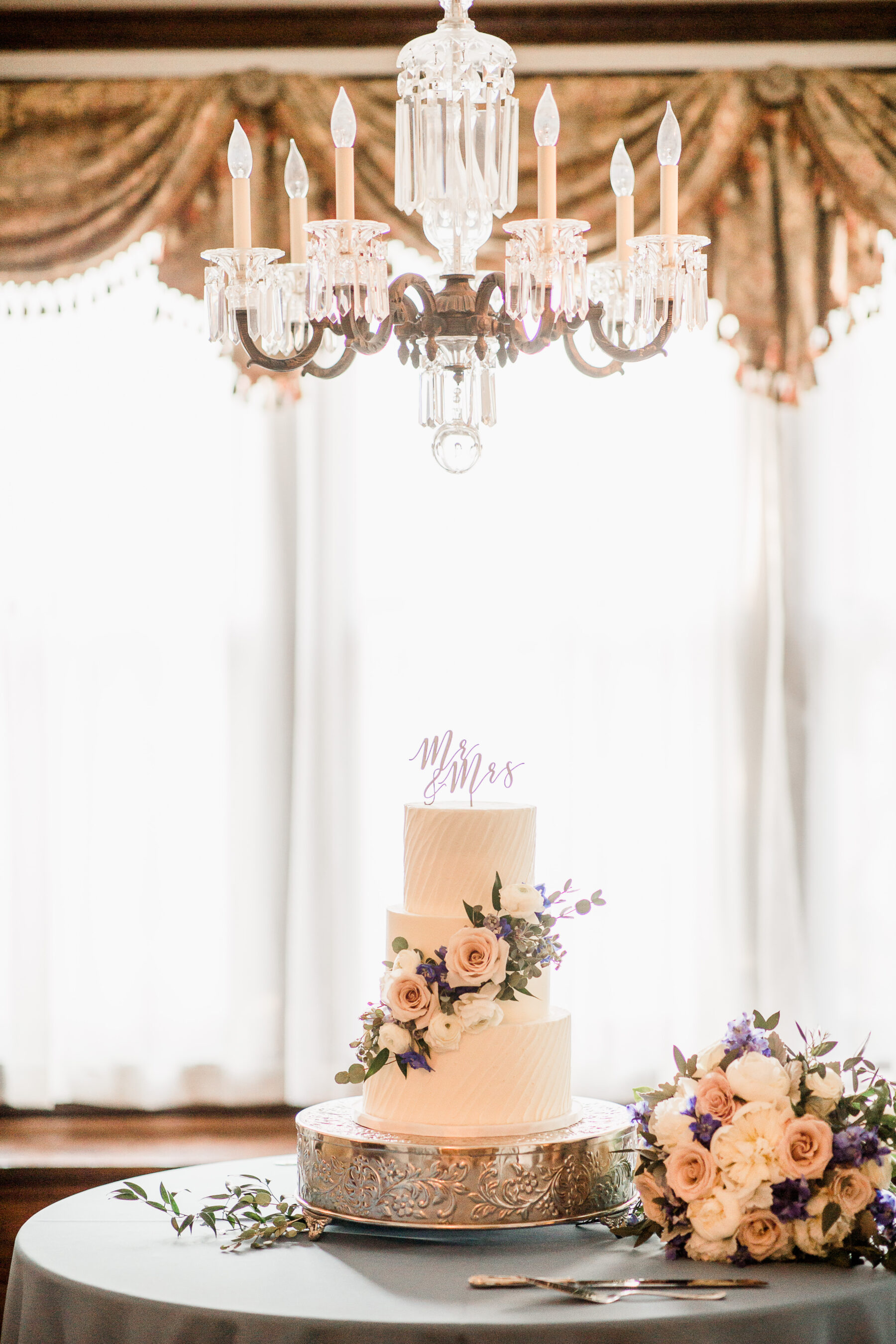 Baked in Nashville White Floral Wedding Cake   Nashville Bride Guide