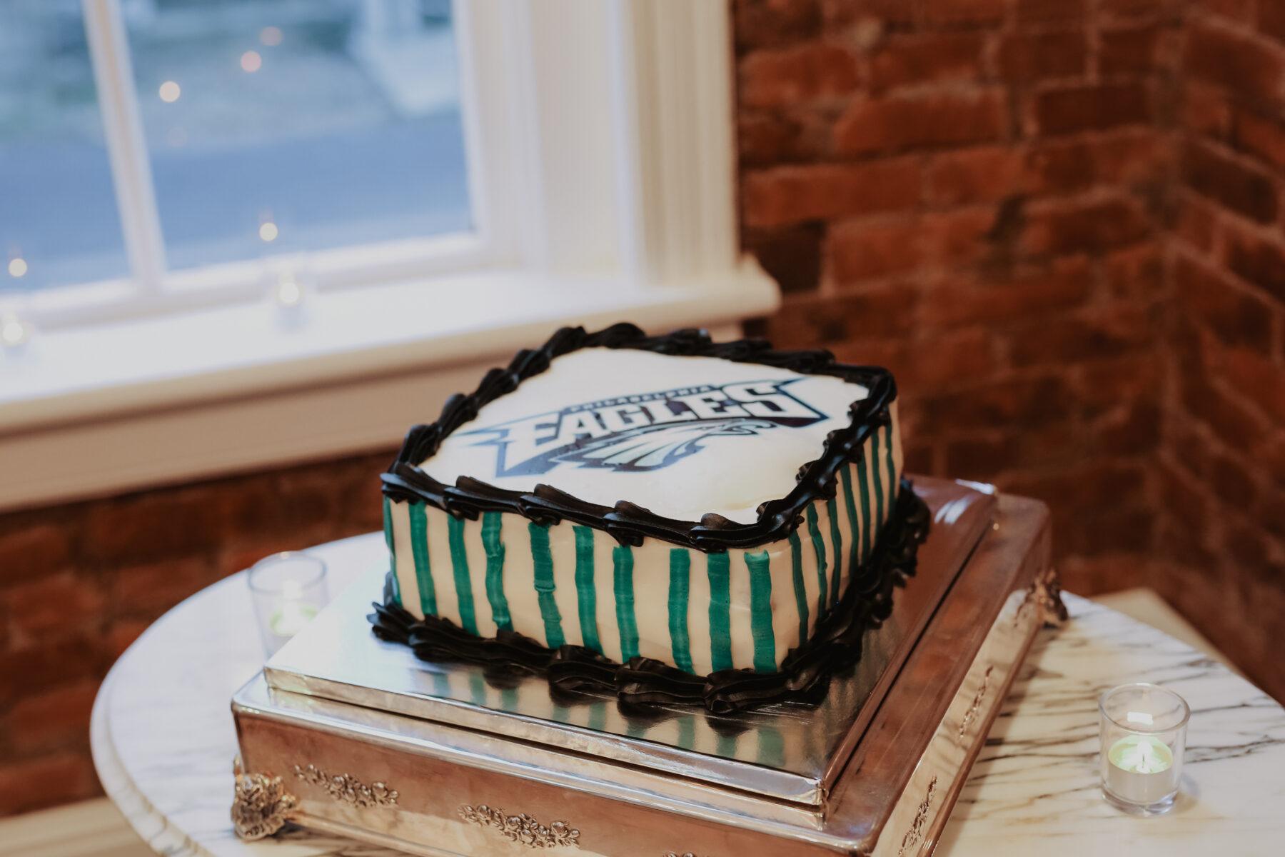 Philadelphia Eagles groom's cake | Nashville Bride Guide
