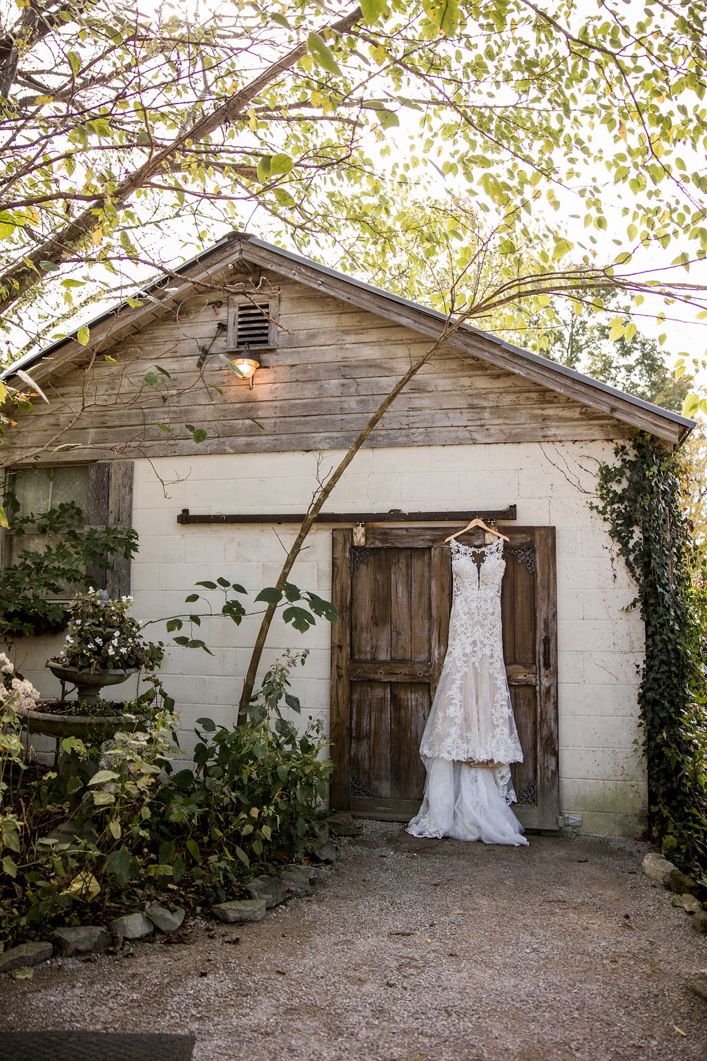 Meadow Hill Farm Wedding by John Myers Photography   Nashville Bride Guide