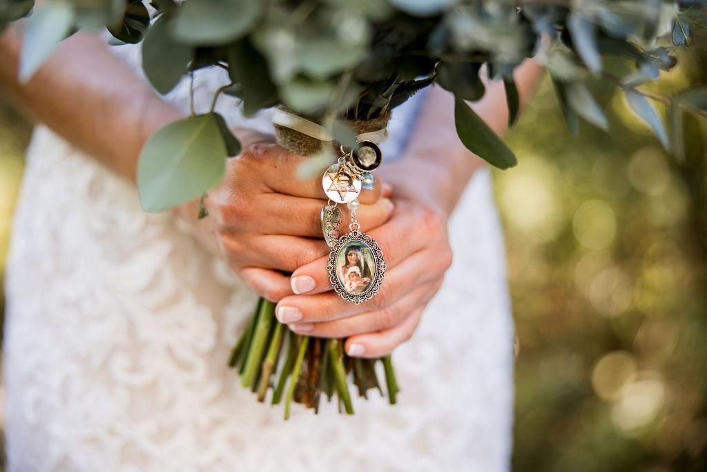 Wedding bouquet photo charm   Nashville Bride Guide