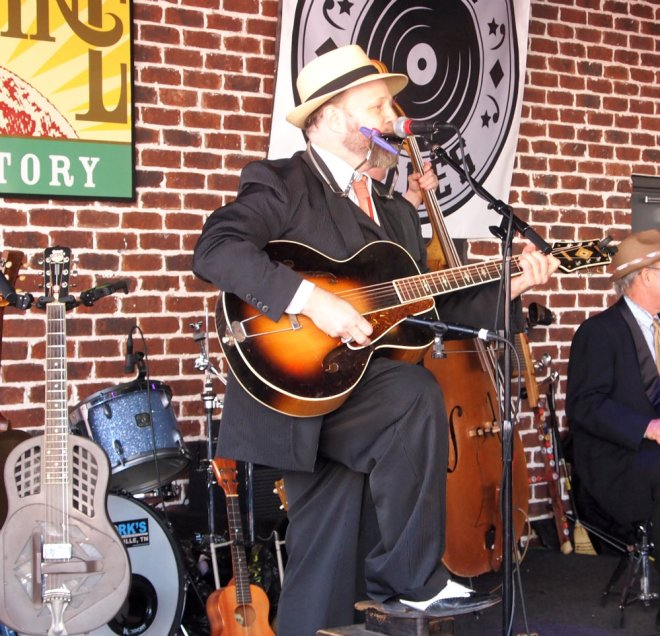 Jake Leg Stompers Mando Blues Soulshine Nashville Fringe Festival 03