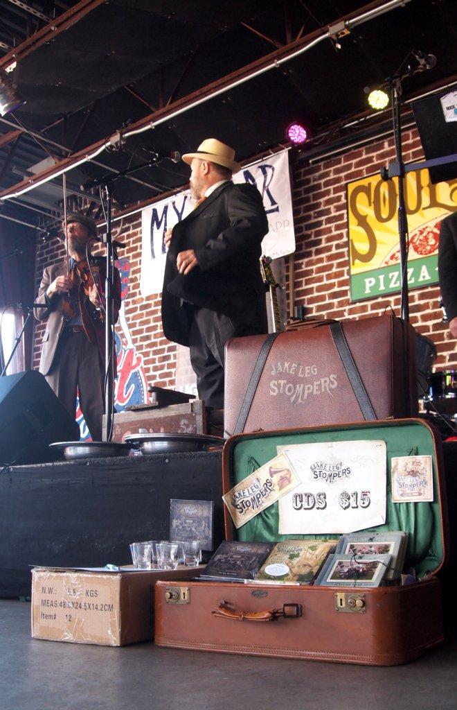 Jake Leg Stompers Mando Blues Soulshine Nashville Fringe Festival 05