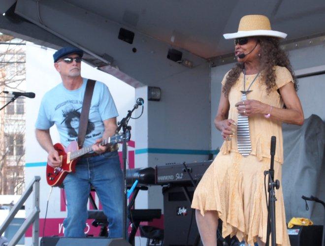 Mississippi Millie Mando Blues Soulshine Nashville Fringe Festival 03