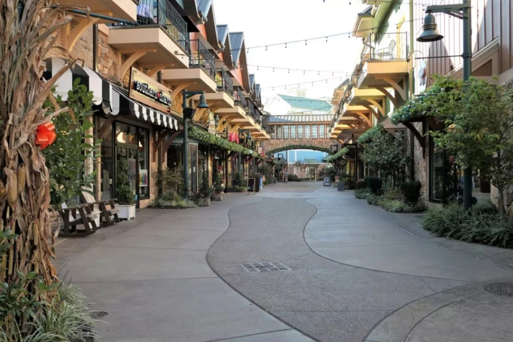 Margaritaville Island Hotel Pigeon Forge - the island shops
