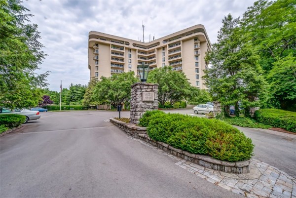 Wessex Towers Condos for Sale