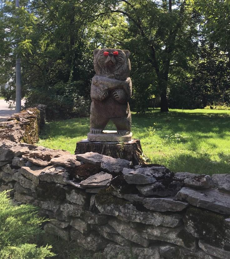 Bear statue outdoor art Nashville