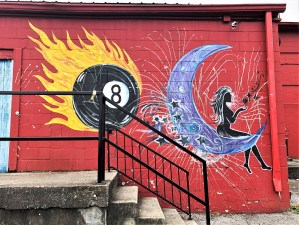 Eight ball mural street art Nashville