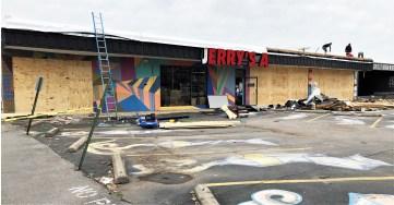 Jerrys Artarama mural street art Nashville tornado