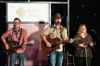 Nashville-Wine-Auctions-Live-Virtual-Auction-2020-by-Weatherly-Photography-201010-WRH_3517