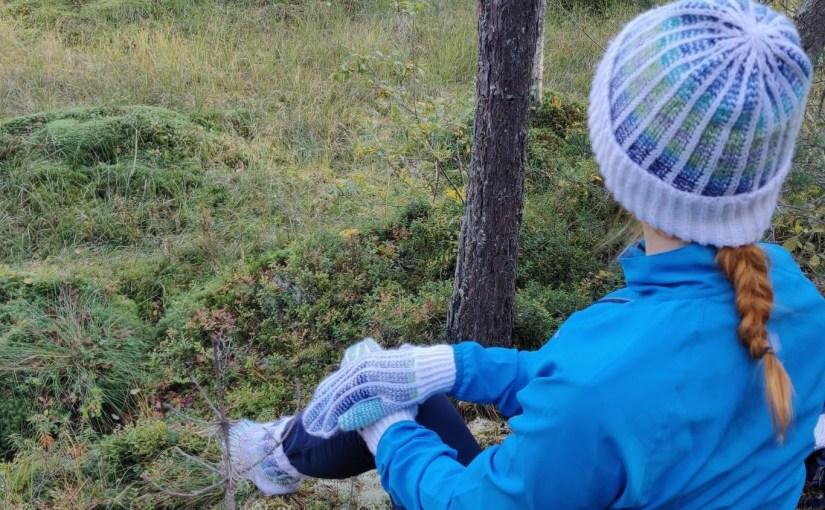 Neulomukset: Villasukat, hanskat ja pipo