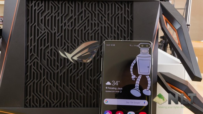 ASUS ROG RAPTURE GT-AX11000 with Samsung Galaxy S10+
