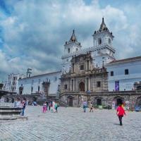 Quito Gezi Rehberi, Quito Gezilecek Yerler, Quito'da Nerede Kalinir