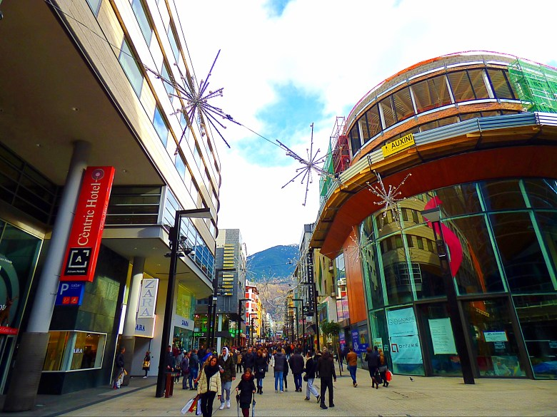 Andorra Gezi Rehberi, Andorra Gezilecek Yerler, Andorraya Nasil Gidilir, Barselona Gezilecek Yerler, Andorra'da Nerede Kalinir