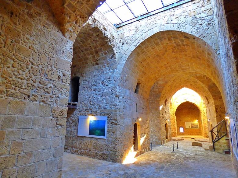 Baf gezilecek yerler, baf gezi rehberi, paphos gezilecek yerler, güney kıbrıs vizesi, güney kıbrıs gezilecek yerler, baf nerede kalinir, Kato Paphos Arkeoloji Parkı Nerede, Nasıl Gidilir, Baf Kalesi