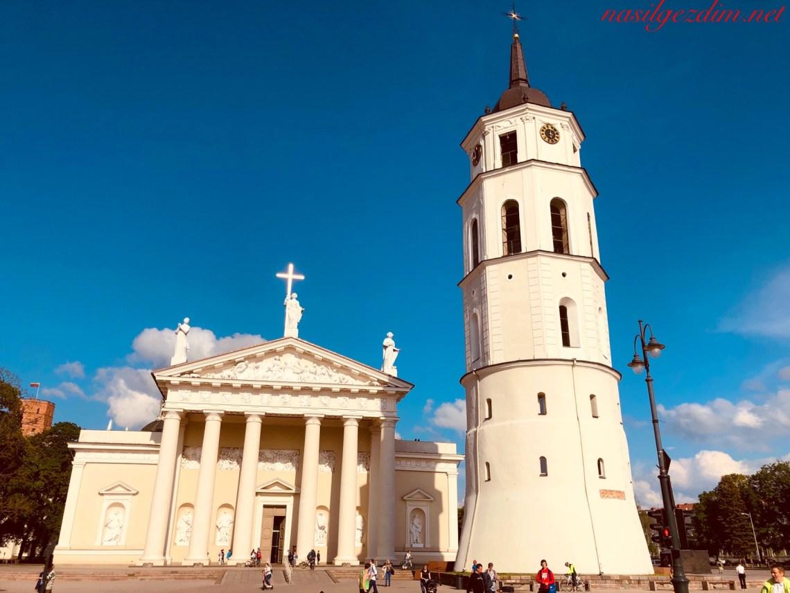 vilnius katedral meydani, litvanya gezilecek yerler, vilnius gezilecek yerler, vilnius gezi rehberi, baltık ülkeleri turu, nasil gezdim, nasilgezdim, litvanya vilnius gezilecek yerler, litvanya vilnius