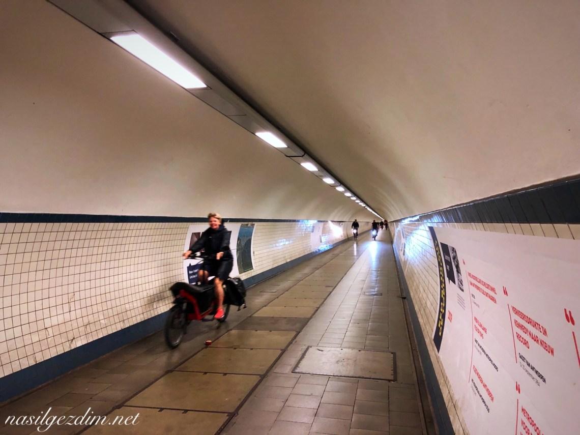 antwerp gezilecek yerler, antwerp gez rehberi, antwerp gezi notları, antwerp gezisi, The Scheldt tunnel in Antwerp, st anna's tunnel antwerp