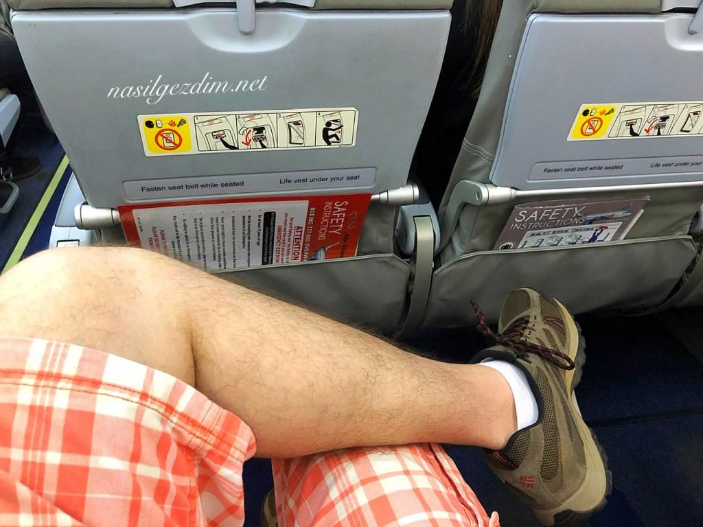 uçuş konforu,seyahat tüyoları, uzun uçak yolculugu, uçak bileti alırken koltuk seçimi,uzun uçak yolculuğu yapacaklara tavsiyeler