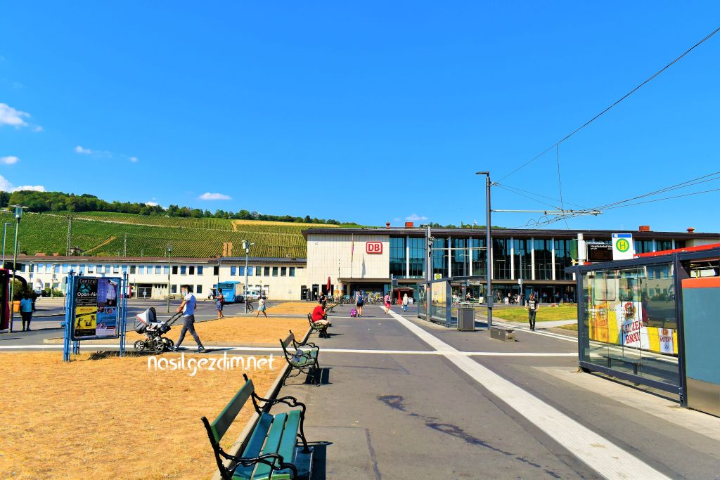 würzburg tren istasyonu, würzburg nerede, würzburg nasıl gidilir, würzburg ulaşım, würzburg hauptbahnhof