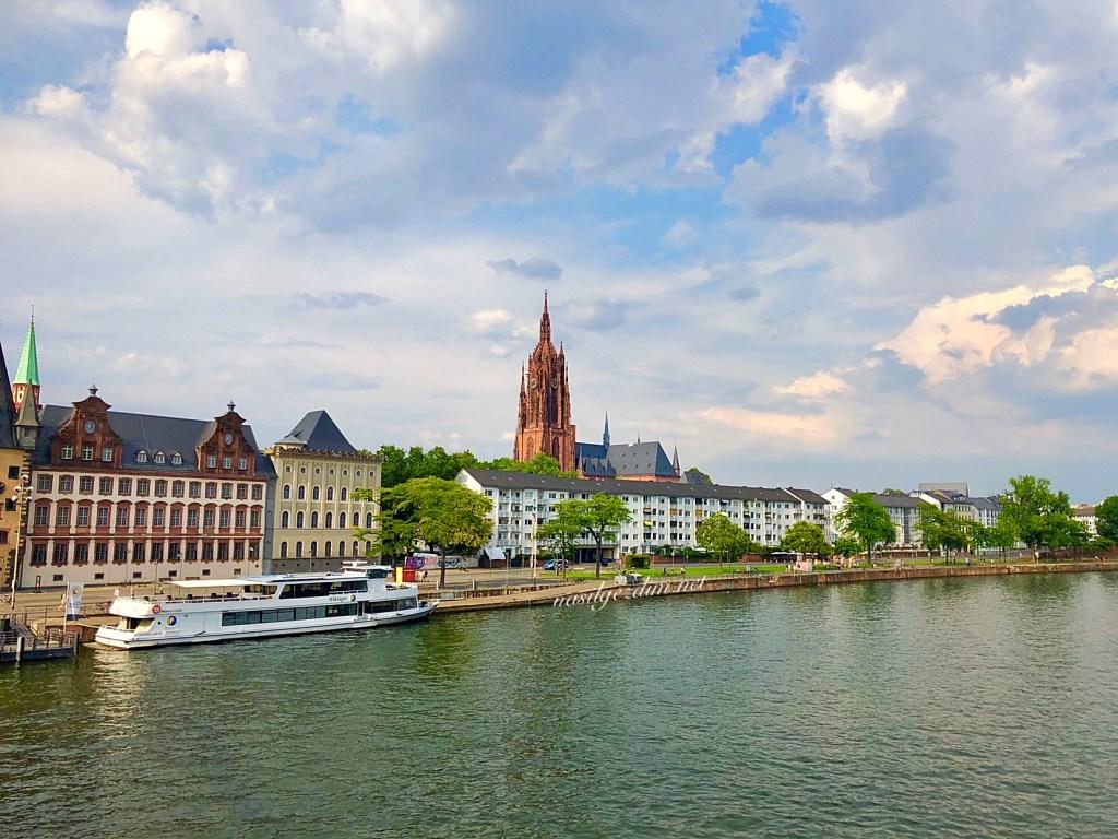 frankfurt gezilecek yerler, frankfurt gezi rehberi, main nehri, frankfurt gezisi