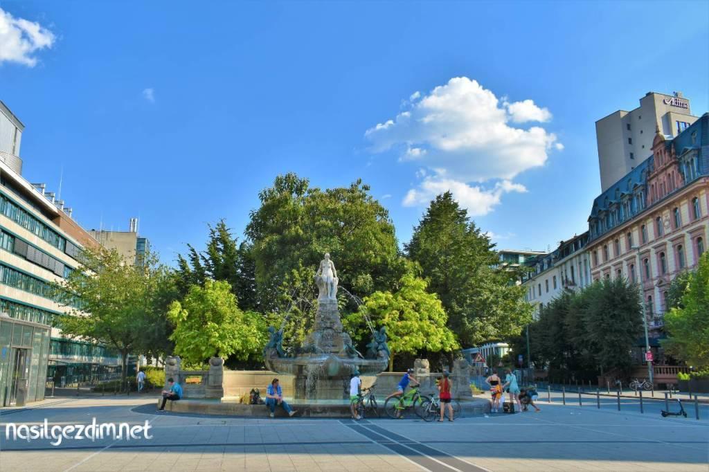 frankfurt gezilecek yerler, willy-brandt-platz, frankfurt gezilecek yerleri